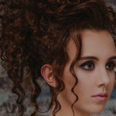 Priemonės garbanojimui, garbanotiems plaukams